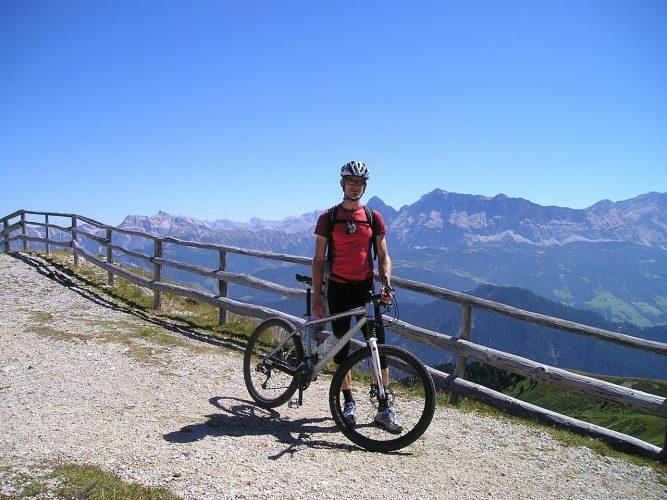 Biking Gear Every Mountain Biker Should Own
