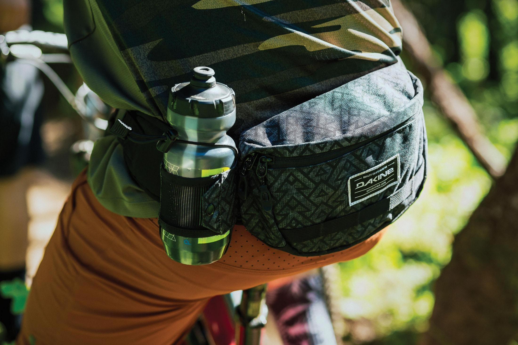 Fanny Packs vs Bagpacks Mountain Bikers