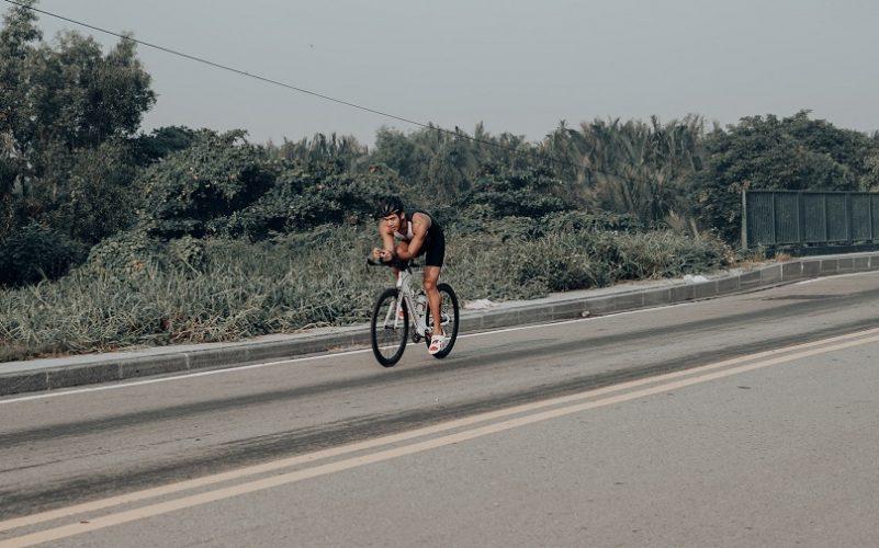 triathlon bikes vs road bikes