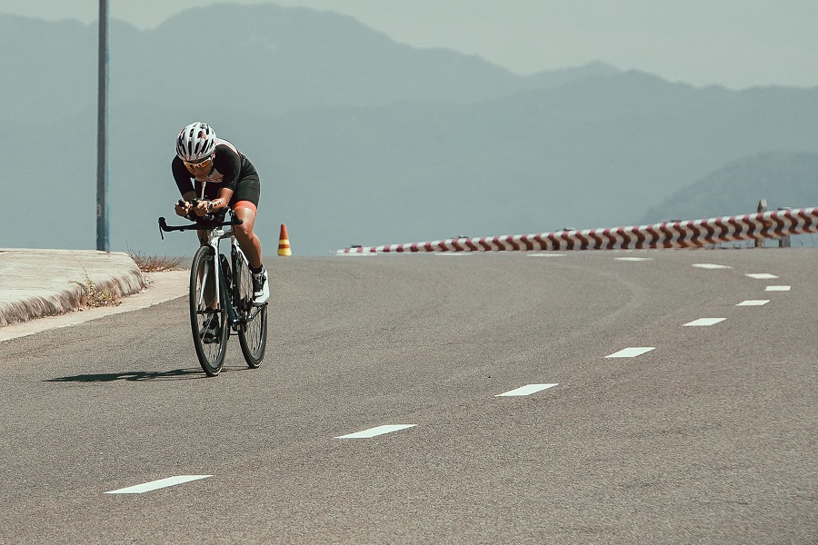 What Are the Differences Between a Road Bike and a Triathlon Bike?