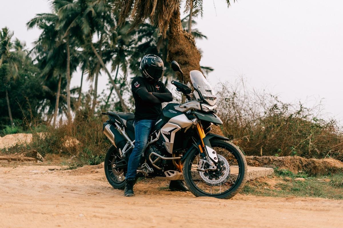 How to Make a Motorcycle Helmet Quieter