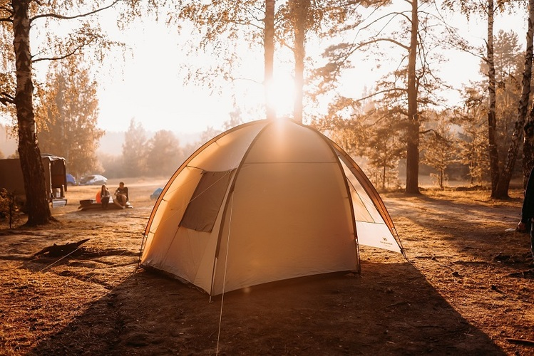 How to choose a tent for camping and backpacking